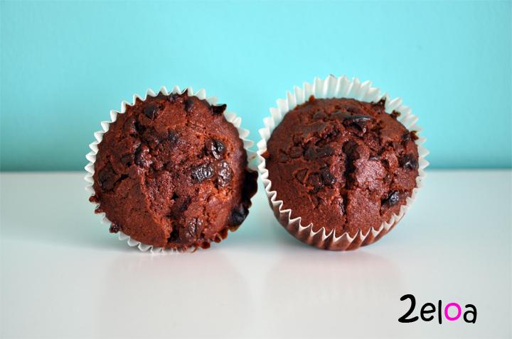 Magdalenas de nata y chocolate  con pepitas de chocolate - www.2eloa.com